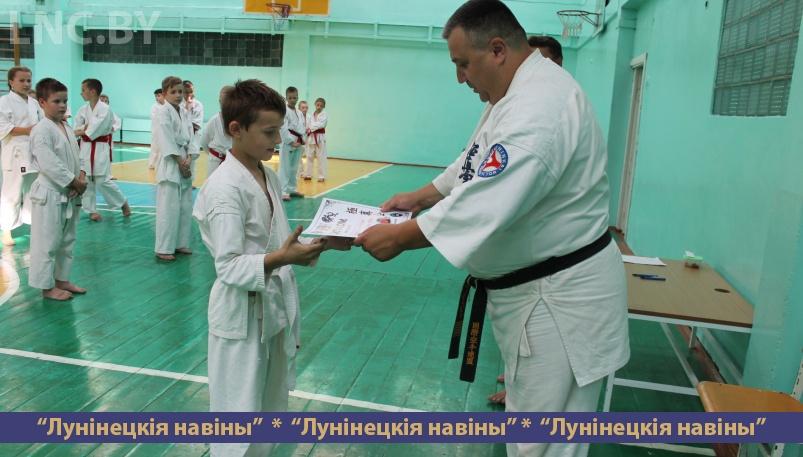 Photo of Уроки юным каратистам преподал шихан