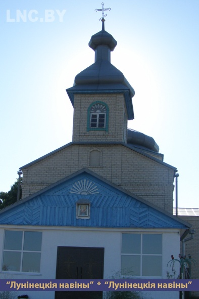 Photo of Верующие меняют облик православной церкви в деревне Мокрово.