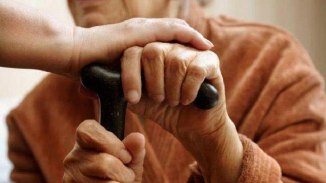 Photo of Социальная служба окажет помощь пожилым гражданам по доставке продуктов и лекарств