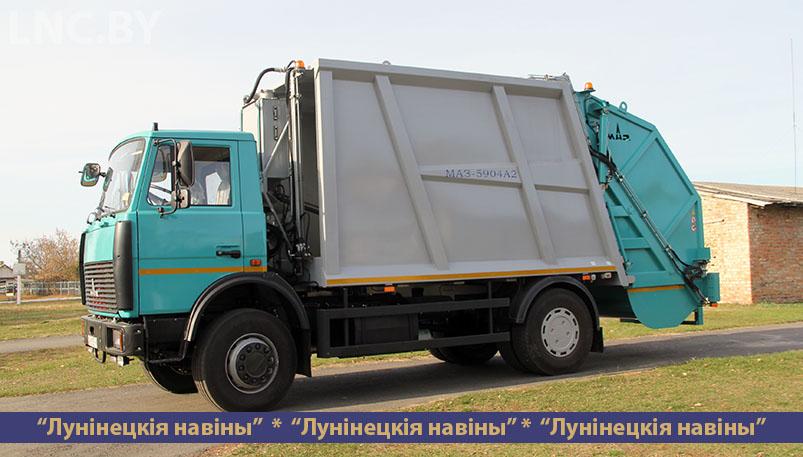 Photo of Новые мусоровозы появились в Микашевичском ЖКХ