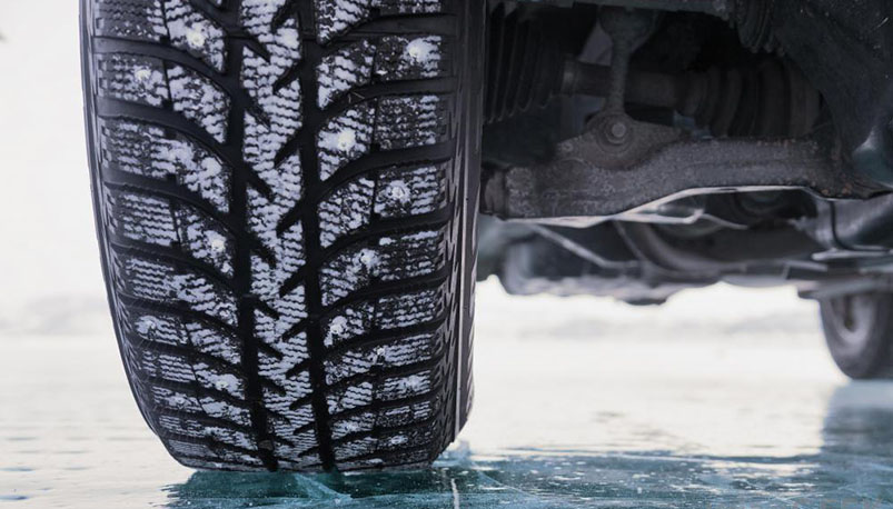 Photo of ГАИ рекомендует автовладельцам пока не менять зимние шины на летние