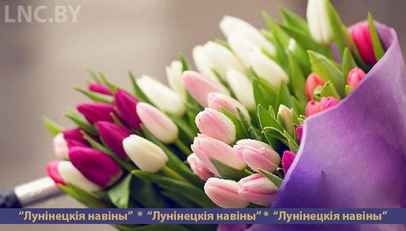 Photo of Чтобы продавать в Лунинце цветы, надо заплатить