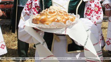 """Photo of Малоритские мастерицы выткали к """"Дажынкам"""" рушники и костюмы"""