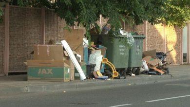 Photo of 15 базовых придется заплатить лунинчанину, который выгрузил старую мебель возле мусорных контейнеров