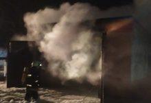 Photo of В Лунинце горел гараж с автомобилем