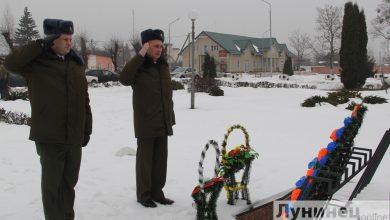 Photo of Военнослужащие почтили память погибших возложением к обелискам