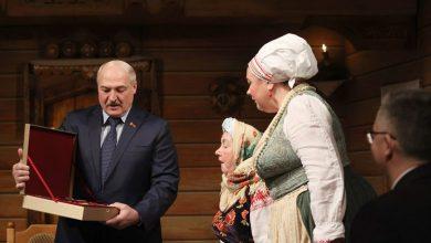 Photo of Судьба театра, проблемы культуры, будущее Беларуси – о чем артисты Купаловского говорили с Президентом