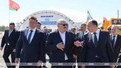 """Photo of О защите своего рынка и """"интеллектуальных карьерах"""". Подробности визита Лукашенко на """"Гранит"""""""