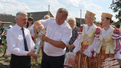 Photo of В Барановичах открыли памятный знак паровозу и заложили капсулу времени