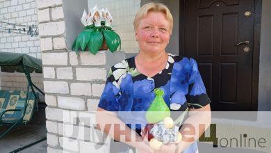Photo of Необычные украшения из цемента и пластика создает микашевичская жительница Ольга Трофимович